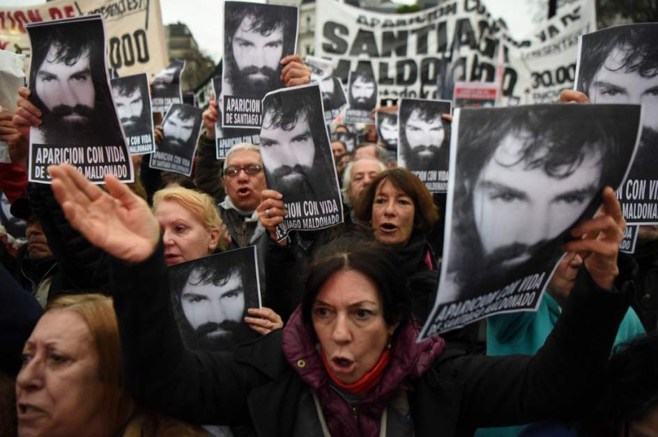 Resultado de imagen para santiago maldonado desaparecido en argentina