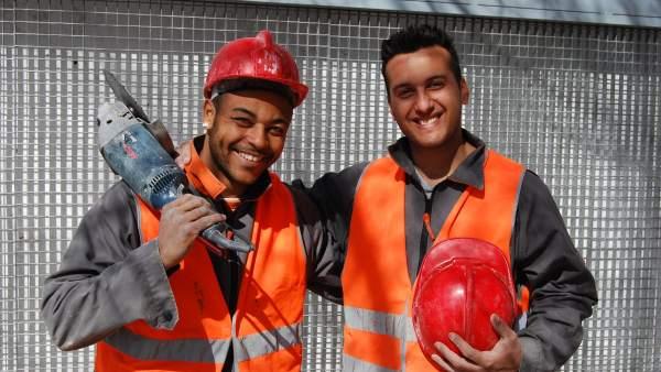 Dos trabajadores gitanos.