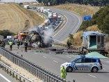 Aparatoso incendio de un camión en Burgos