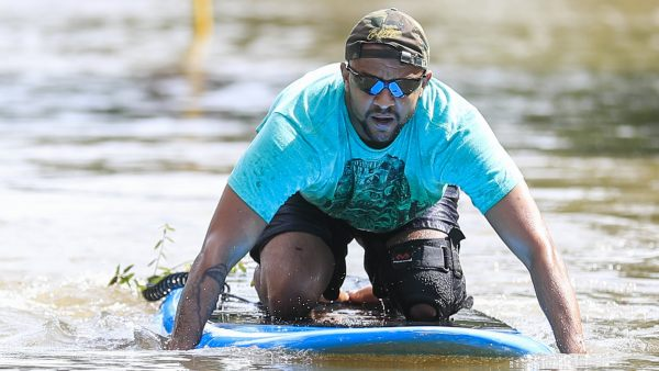 Navegando en tabla por una calle Houston