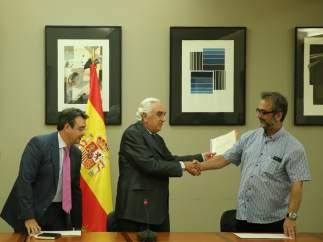 Marcos Peña entrega el laudo a las partes en Madrid sobre El Prat