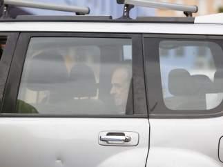 Francesco Arcuri llega a la Comandancia de la Guardia Civil.