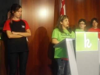 'Las Kellys' Y Sindicatos En Rueda De Prensa En El Ayuntamiento De Barcelona.