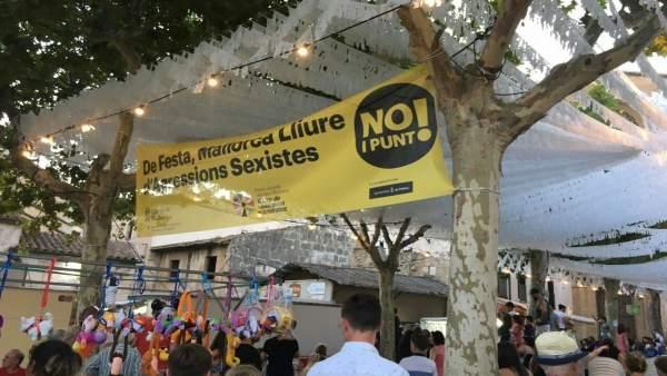 Pancarta de la campaña No i Punt!