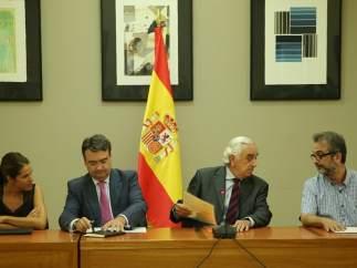 Marcos Peña entrega el laudo a las partes en Madrid
