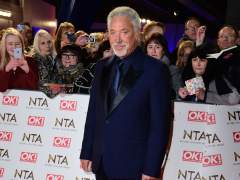 Tom Jones revela que sufrió acoso sexual