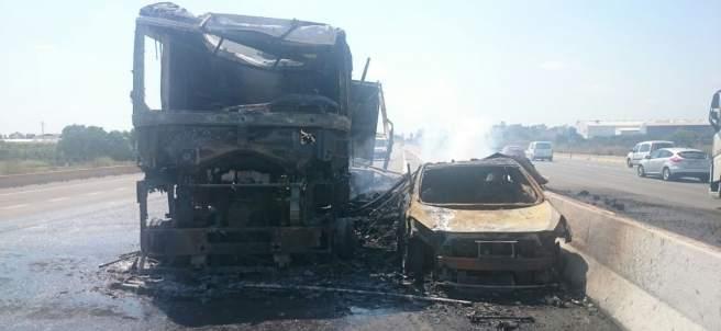 Incendio de un camión en la A-7