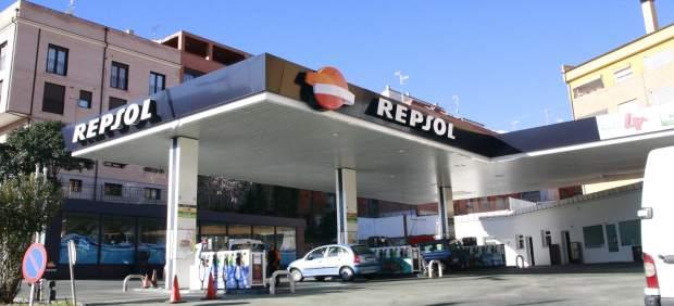 COCEMFECV arreplega firmes perquè gasolineres tinguen personal les 24 hores i garantir l'atenció als discapacitats