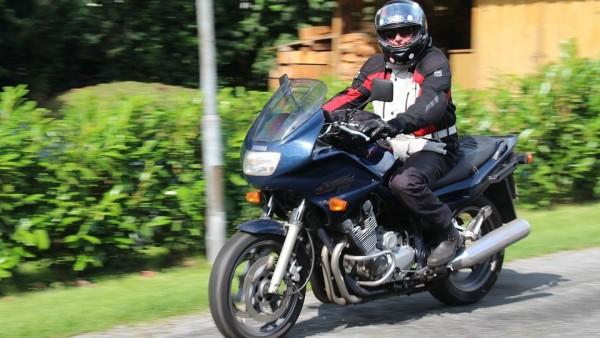Convivencia entre motos y coches