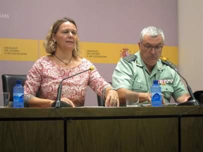 Maria Salom y el coronel Jaime Barceló