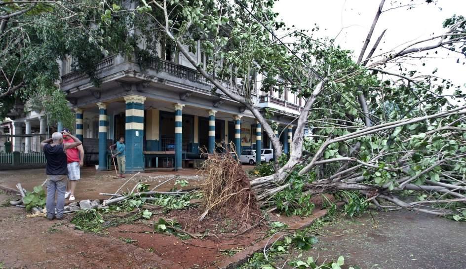 Al menos 10 muertos en cuba tras el paso del hurac n irma for Cuba motors el paso
