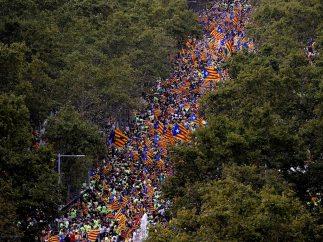Miles de personas en el Paseo de Gracia