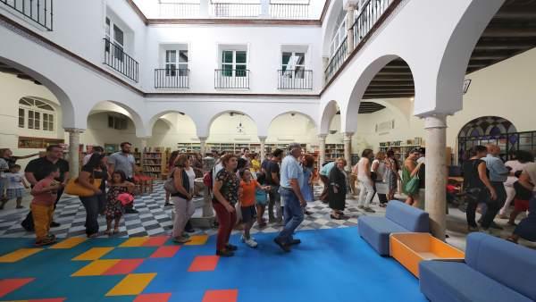 El 39 san francisco de paula 39 inaugura su primer curso como for Accion educativa espanola en el exterior