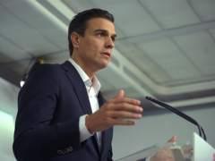 """Sánchez apoya a Rajoy pero le pide """"soluciones políticas"""" para Cataluña"""