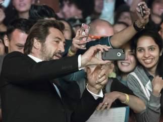 'Selfie' de Bardem con sus fans