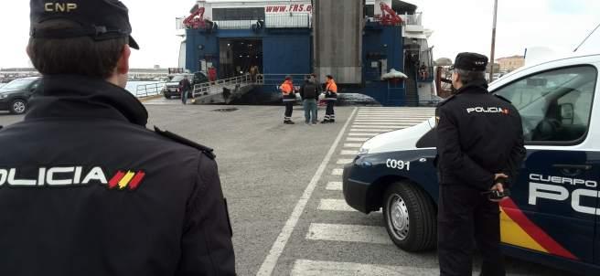 Policía Nacional en la frontera de Tarifa (Cádiz)