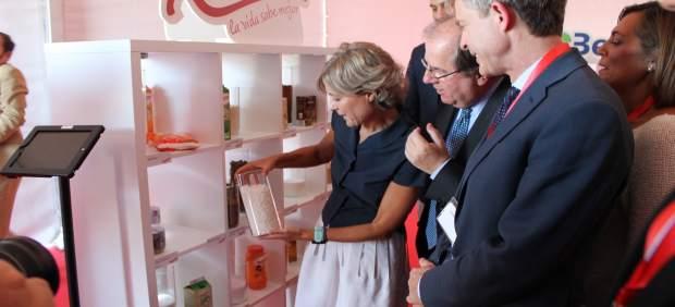 Zamora: La ministra y Herrera en la visita a Azucarera