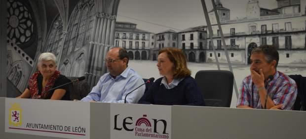 León: Presentación De La Recogida De Material Escolar