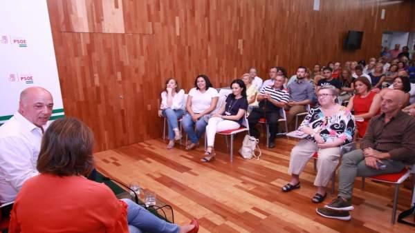 Ruiz, en un encuentro con militantes