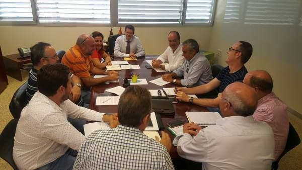 Foto/ Reunión Con El Sector De Los Frutos Se Cos