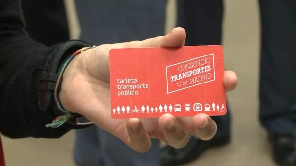 Metro Madrid sustituye los títulos de papel por una tarjeta
