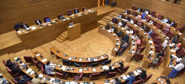 Pleno de las Corts Valencianes durante el Debate sobre el Estado de la Comunitat