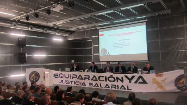 Mesa organizada por Jusapol en Palencia