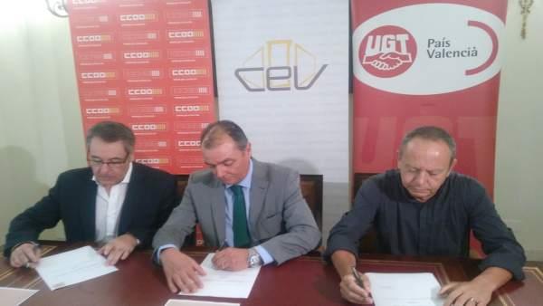 """La CEV, CCOO i UGT signen un nou manifest """"molt asèptic"""" per a aconseguir la unanimitat per un finançament just"""