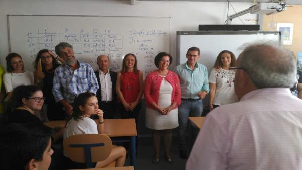 La delegada de la Junta abre el curso escolar en Vícar