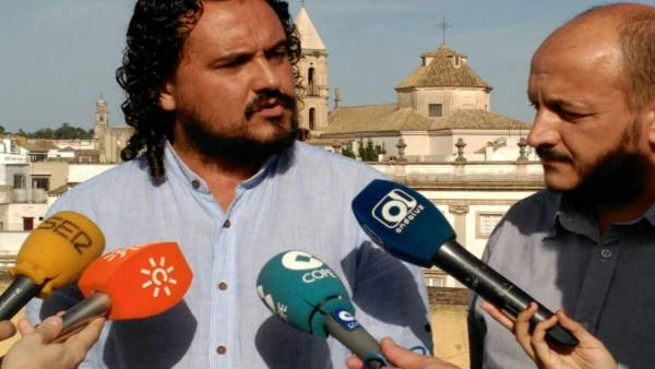 Fernando Macías de IU