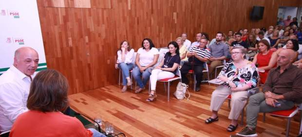 Ruiz, en un encuentro con militantes de la capital cordobesa