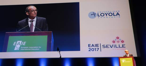 El rector de Loyola Andalucía interviene en la clausura del EAIE 2017
