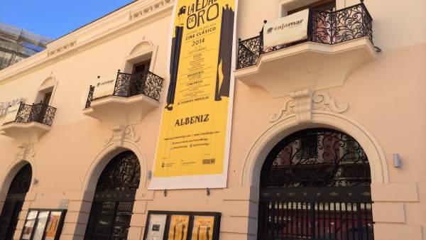 Cine Albéniz fachada
