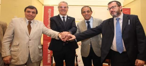 Firma del convenio entre el CIN y CRUE Universidades Españolas