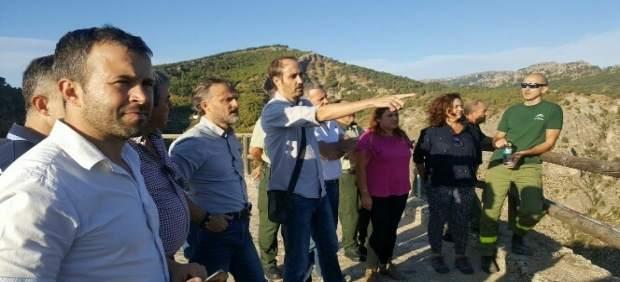 Fiscal visita las zonas afectadas por el incendio de Segura de la Sierra