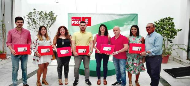 Entrega de avales para la candidatura de Verónica Pérez al PSOE de Sevilla