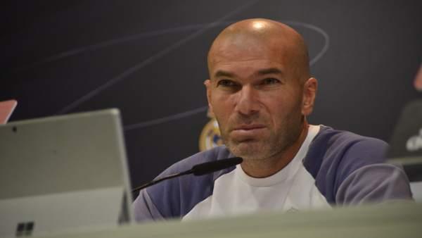 """Zidane pide """"tranquilidad"""" tras la derrota ante el Betis"""