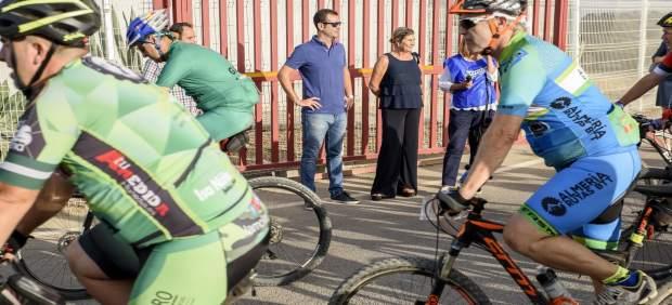 Salida de la II Ruta MTB Grupo Caparrós en Almería