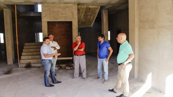 Guillermo Casquet y Domingo Fernández han visitado obras del vivero empresarial.