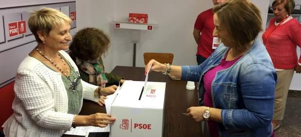 Andrés deposita su voto en las Primarias del PSOE de Palencia