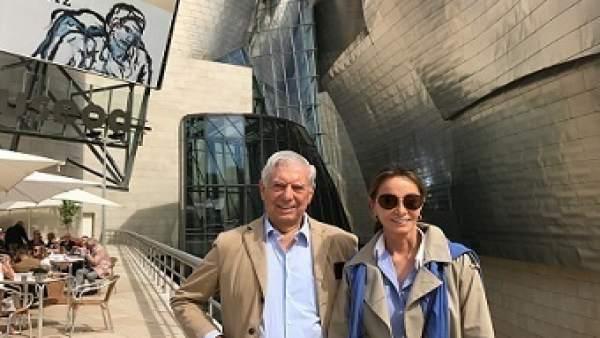 Mario Vargas Llosa e Isabel Presley en el Guggenheim BIlbao