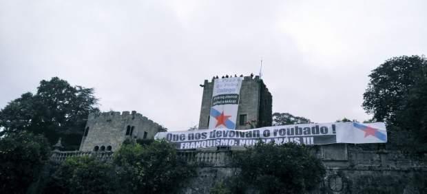 El BNG despliega pancartas para pedir la 'devolución' del Pazo de Meirás