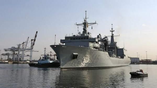 El buque Cantabria de la Armada a su llegada a Australia