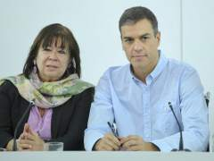 Cristina Narbona y Pedro Sánchez, presidenta y secretario general del PSOE, en Ferraz.