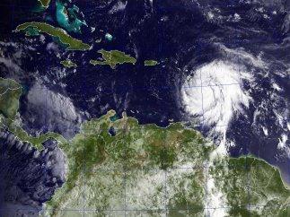 Los huracanes José y María