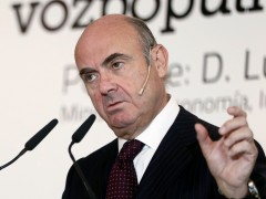"""El Gobierno valora vender """"del 7 al 9% de Bankia"""""""