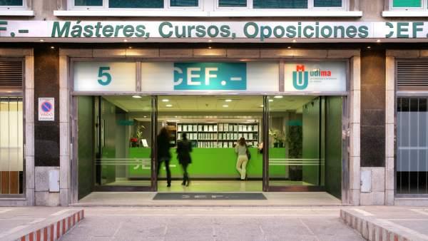 Escuela de negocios CEF.-