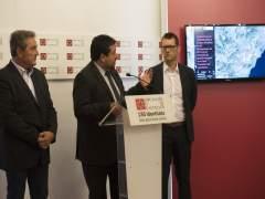 Javier Moliner (centro) en rueda de prensa
