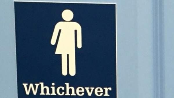 8cada5316c49 Por qué siempre hay tanta cola en los baños públicos de las mujeres?