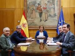 Bañez propone cobrar más cotizaciones a las empresas que abusen de los contratos temporales